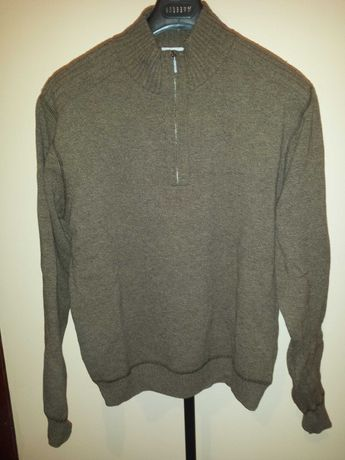 Продавам мъжки пуловер с цип, тютюнев цвят, вълна, размер М