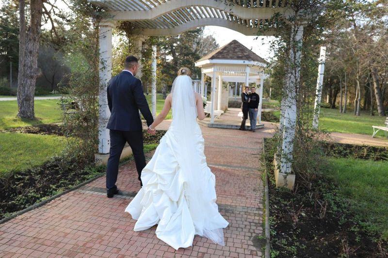 Сватбена рокля гр. Аксаково - image 1