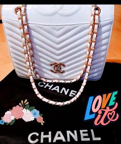 Set firmă,logo imprimat, geanta +portofel, accesorii metalice aurii