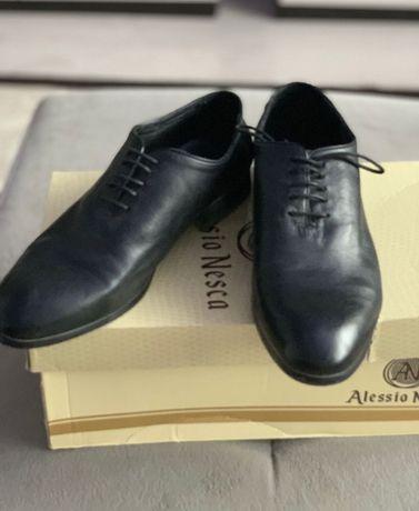 Костюм мужской новый  и туфли кожаные