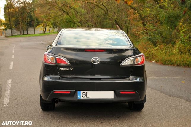 Mazda 3 Mai multe detalii la tel