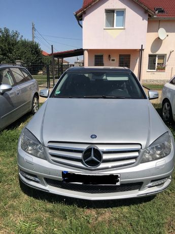Dezmembrez Mercedes C 220 an 2011