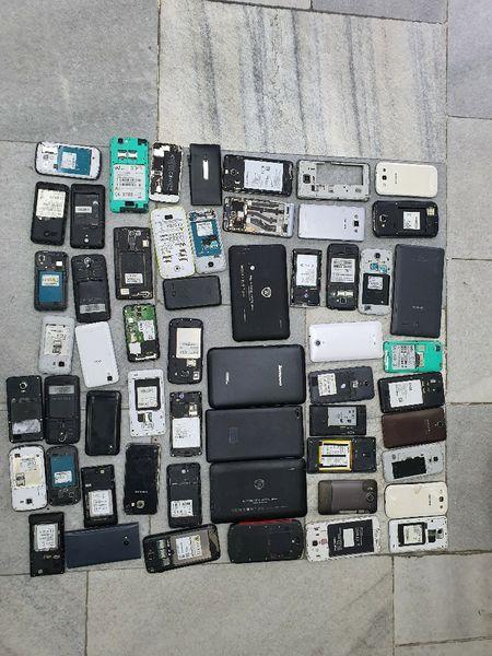 Таблети и телефони за части по 10 лв на брой                (14-) гр. Пазарджик - image 1