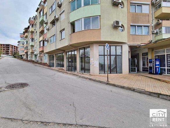 111213 Просторен магазин с два входа и добра локация и лице към улица