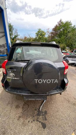 Toyota Rav4 2.2d4d на части