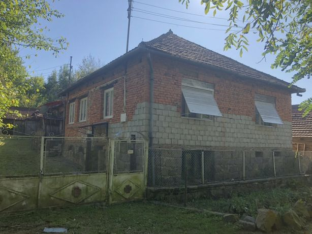 Vand casa plus teren in sat Rostoci Jud. Arad