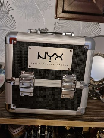 Makeup Case NYX Professional Makeup +cadou paleta MAC pro