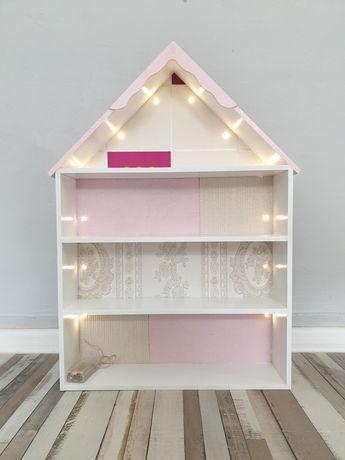 Етажерка за детска стая - къща за кукли