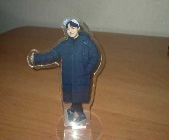 Продам статуэтку Хосока, из группы BTS