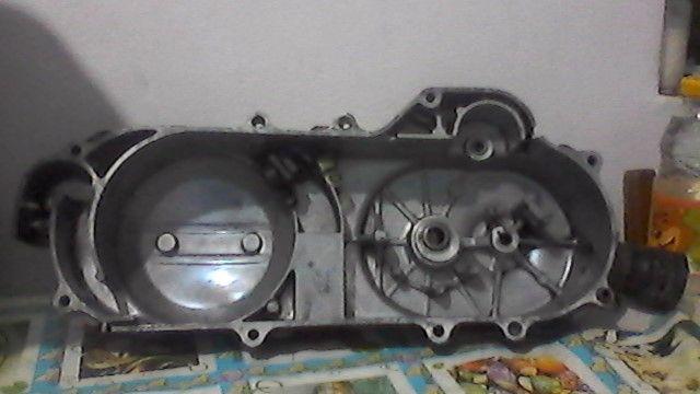 capac transmisie scuter chinezesc GY 6 4 TIMP DE 40 cm roata de 10