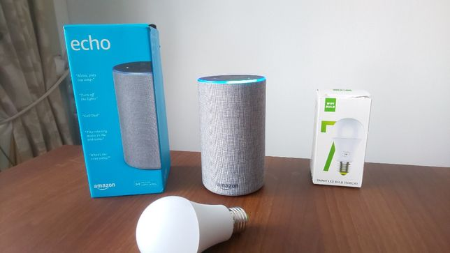 Умная голосовая колонка Amazon Echo 2 + Умная цветная лампа Magic Home