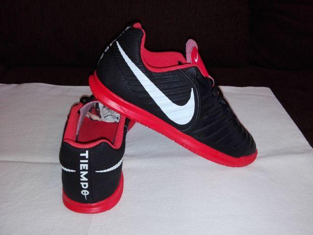 Adidasi Nike Tiempo,marimea 35!(Int-22 cm)!ORIGINALI!IMPECABILI!CA NOI