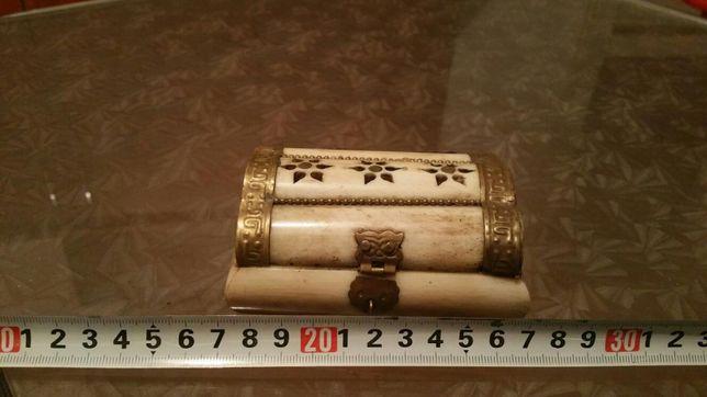 Cutiuta bijuterii