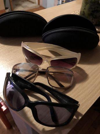 Продавам слънчеви очила