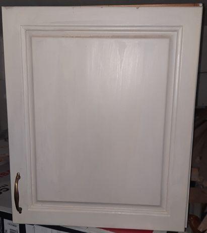 Чамов шкаф в ретро стил
