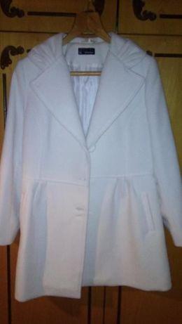 Продавам дамско палто