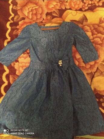 Продам красивое голубое платье