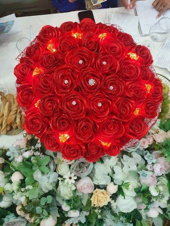 Trandafiri din Satin