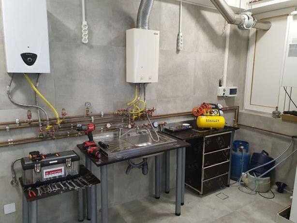 Reparatii Boiler instant Gaz sau Electric Ariston pe banc profesional