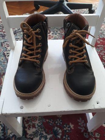 Продавам детски зимни обувки 30лв