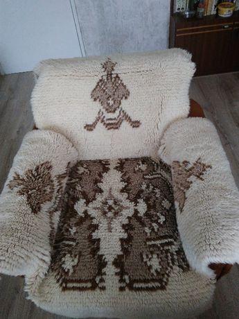 Ръчно тъкани китеници за холова гарнитура