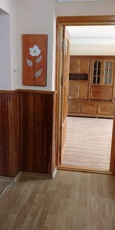 Apartament 3 camere-Ors.Comănești-BC, Str.Gheorghe Donici