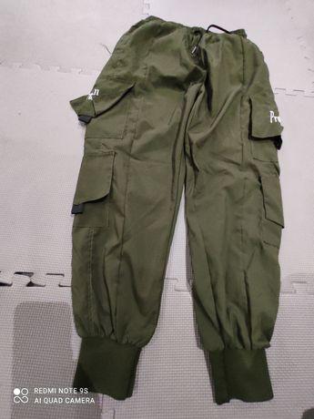 Pantaloni trening, marime L