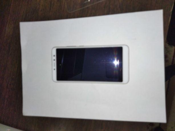 Продам телефон Redmi S2