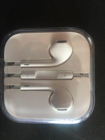 Продам наушники Ear Pods на Айфон