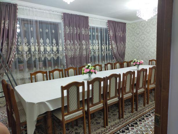 Стол стулья 22 штук и стол 5 метров продается цена 180 тыс