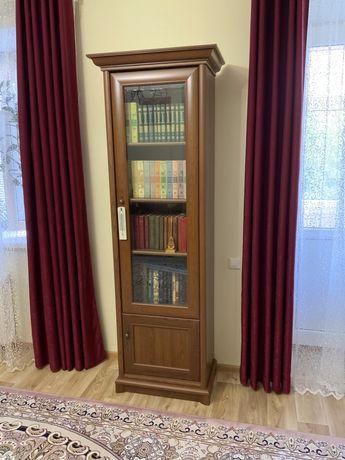 Шкаф книжный, комод, подставка под телевизор