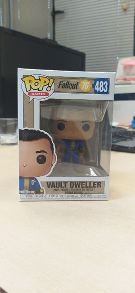 2 броя фигурки Funko POP! Games: Fallout 76 - Vault Dweller #483