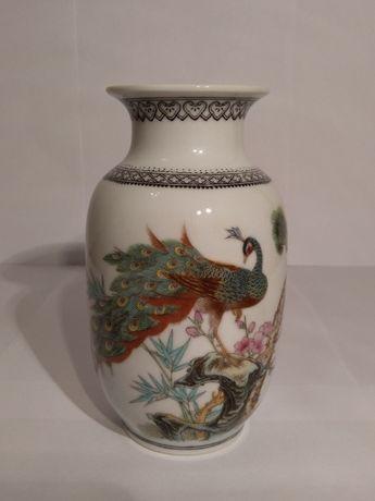 Vaza Asiatica Feng Shui cu Paun, Pin, Bambus si Flori de prun