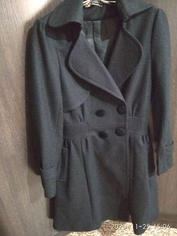 Пальто продам 5500