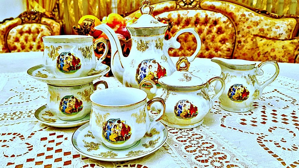Сервиз за кафе.Чехословакия-Трите грации