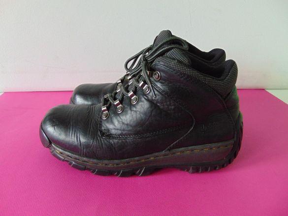 Dr Martens номер 43 Оригинални обувки