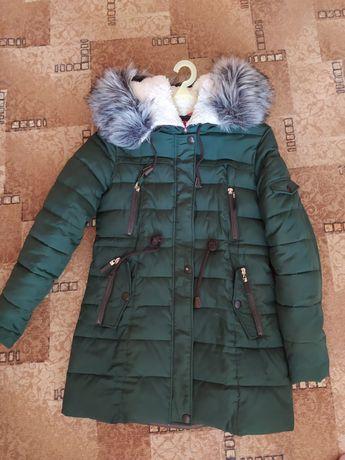 Продам женскую зимнюю куртку.