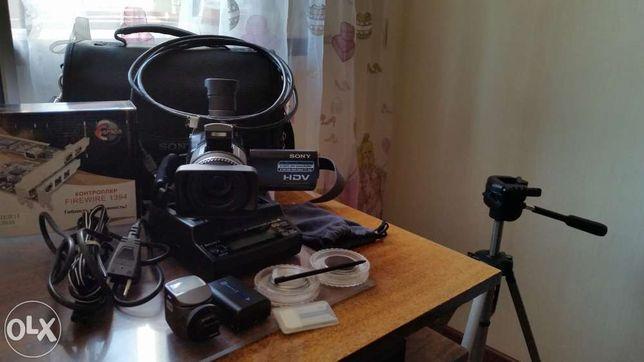 Полупрофессиональная HDV камера Sony HDR-HC1E