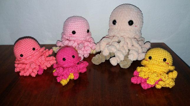 Игрушки-брелки медузы