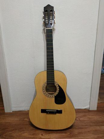 Гитара с чехлом Yamacha