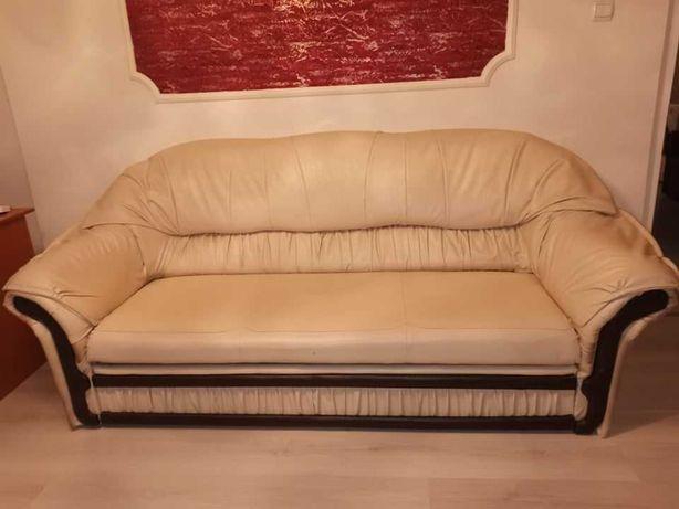 Canapea din piele ecologica