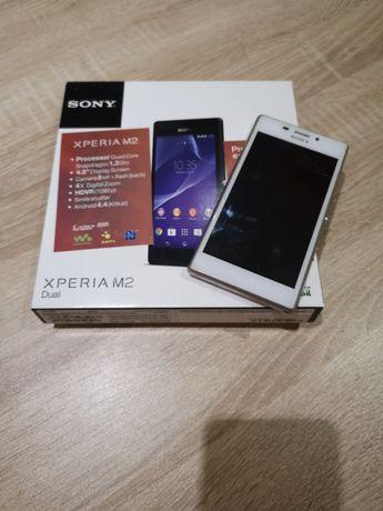 Продавам смартфон Сони М2