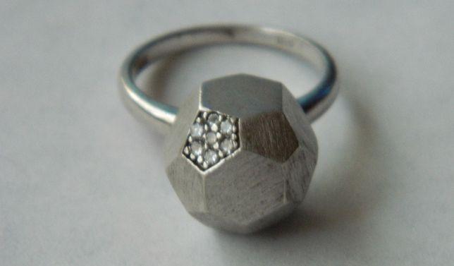 D36,inel argint 925,nou/marcat, masiv, forma inedita, superb