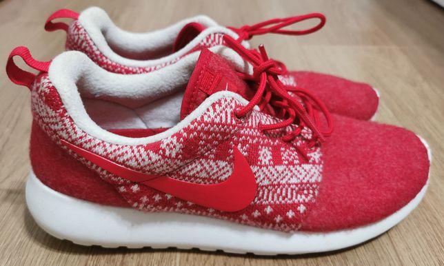 Adidas Nike Roshe One Winter University Red/Sail 39 stare foarte buna