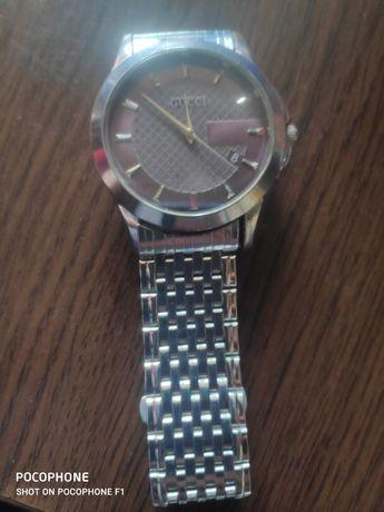 Часовник Gucci 142.6