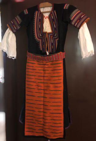 Автентична кюстендилска носия