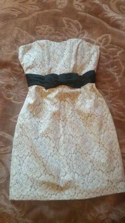 Лятна рокля с дантела