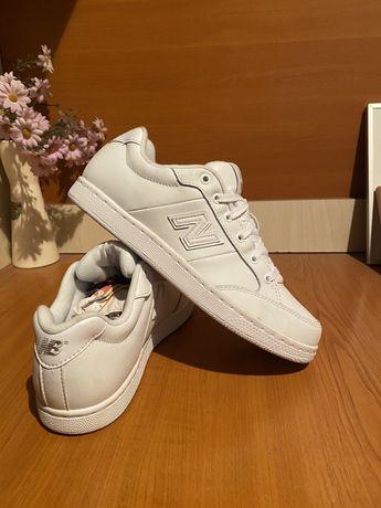 Adidasi new balance 40-41 originali in stare foarte buna