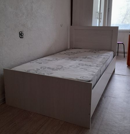 Продам кровать почти новая