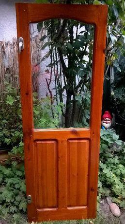 Продавм дървена дограма